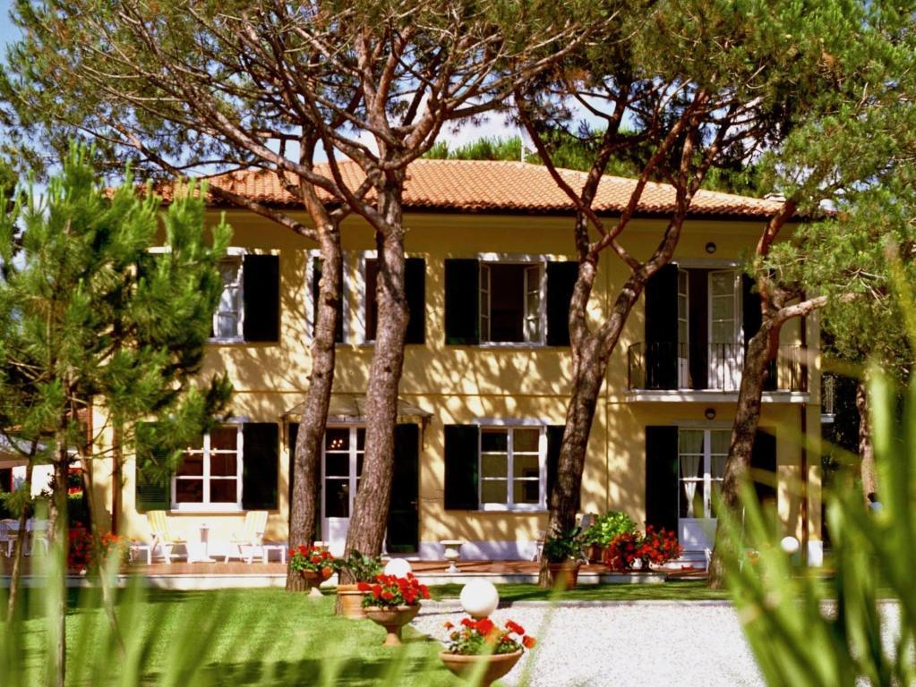 Hotel Villa Fiorisella Marina di Massa, Italy