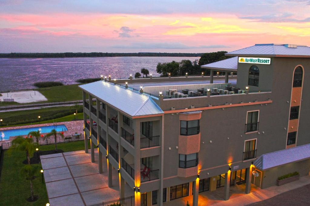 Key West Resort - Lake Dora