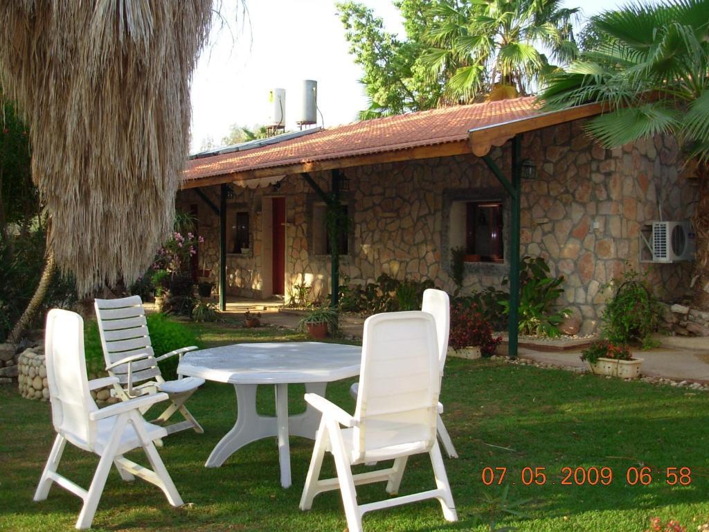 Jardín al aire libre en Jericho Inn