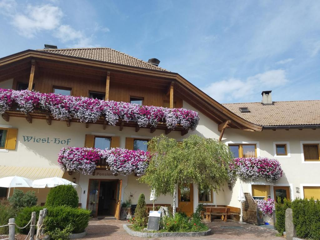 Hotel Wieslhof Collepietra, Italy