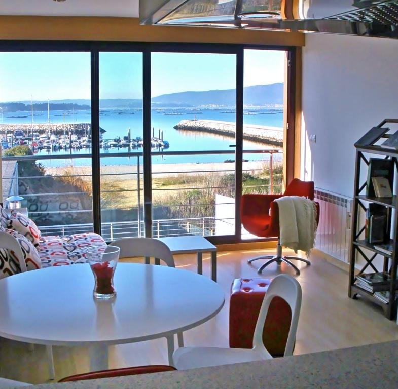 Apartamentos Turísticos Puerto Basella - Laterooms