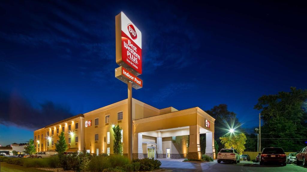 Best Western Plus Eastgate Inn & Suites