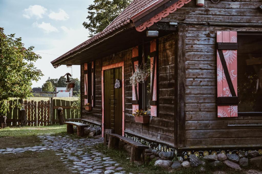 Pastatas, kuriame yra šie nakvynės namai