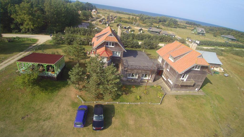 A bird's-eye view of Viesu nams un kempings Papes Čakstes