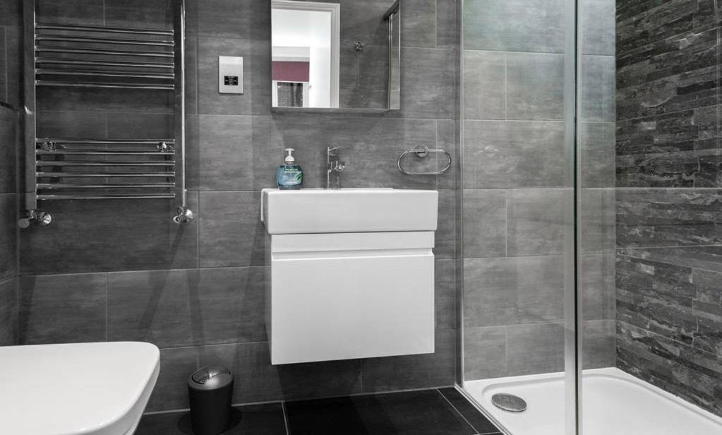 A bathroom at Fleet Street Apartment 1
