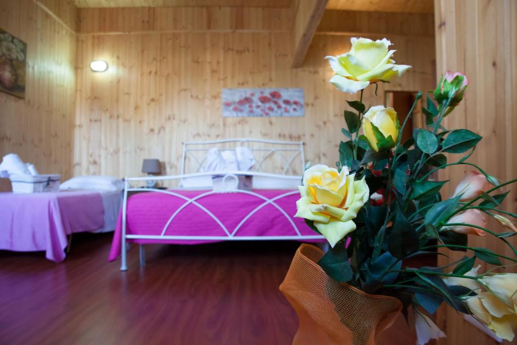 A bed or beds in a room at Acqua di Mare