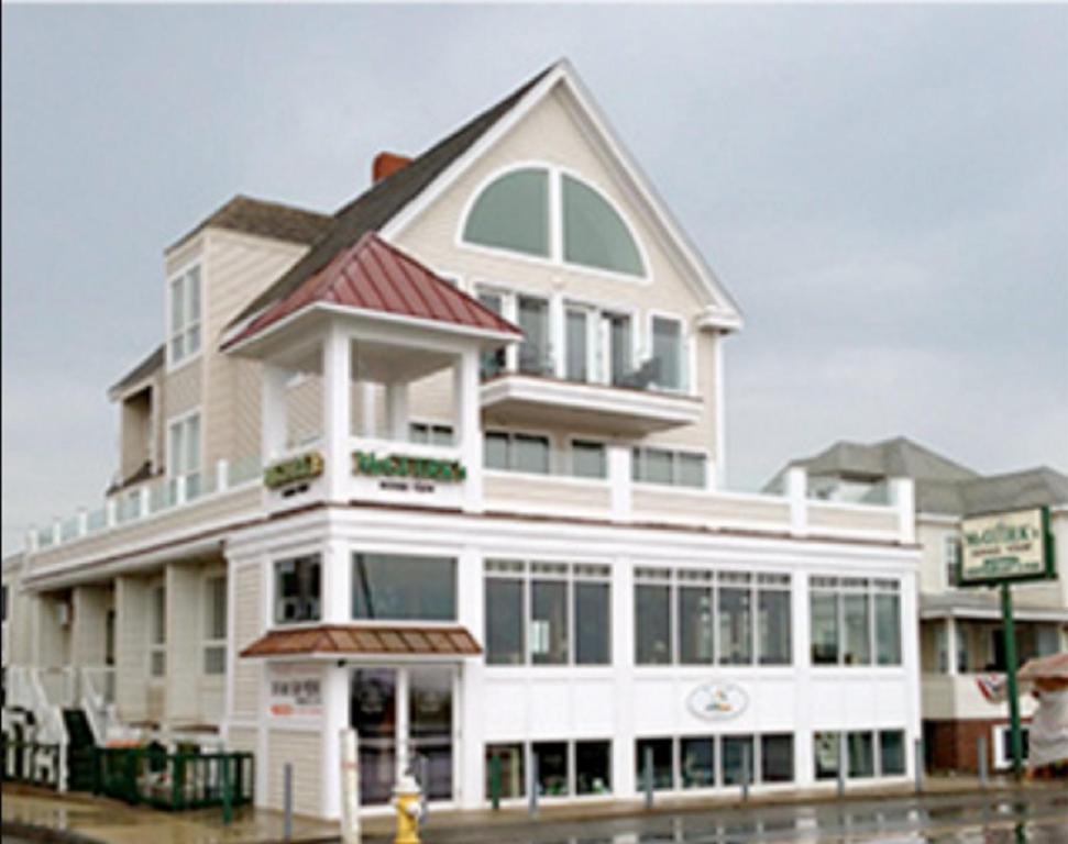 Mcguirk S Ocean View Hotel Hampton Nh Booking Com Explore @julie_mc_guirk twitter profile and download videos and photos   twaku. mcguirk s ocean view hotel hampton nh
