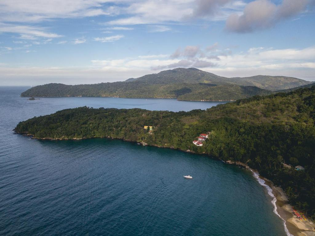 Uma vista aérea de Pousada Toca do Mar