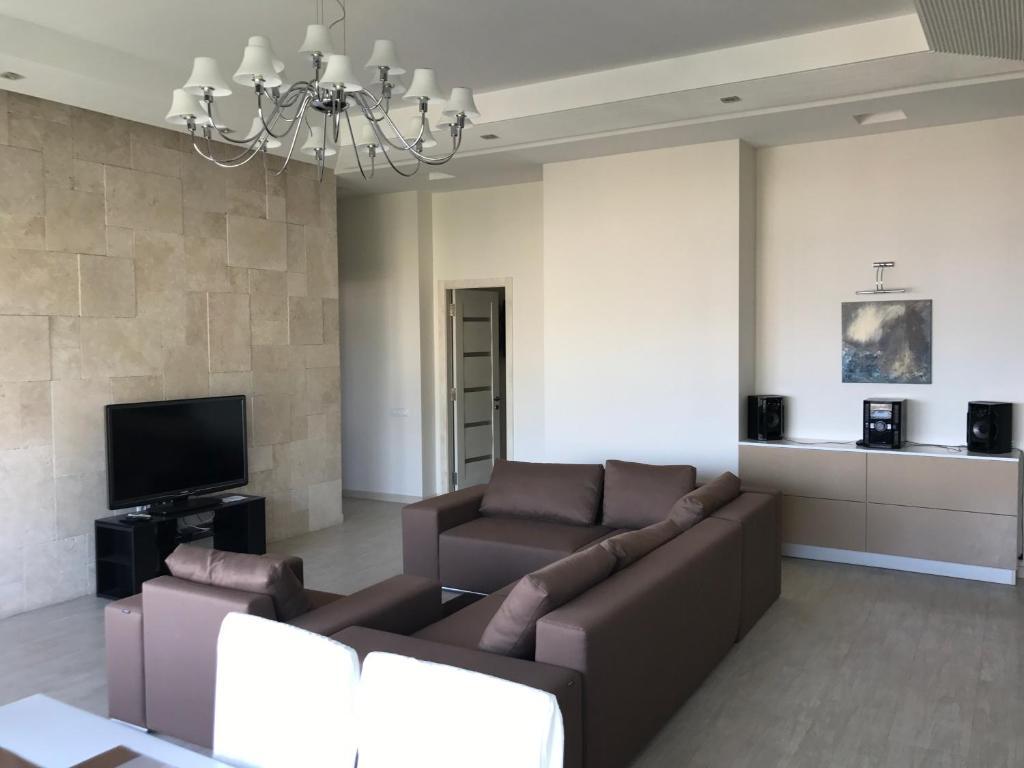 Апартаменты на щербака ялта недвижимость в венгрии сайты