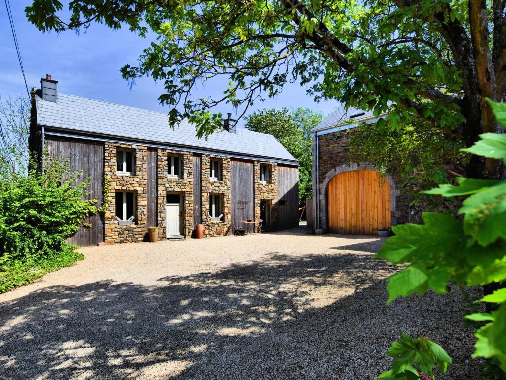 Elegant Farmhouse in Durbuy with Sauna
