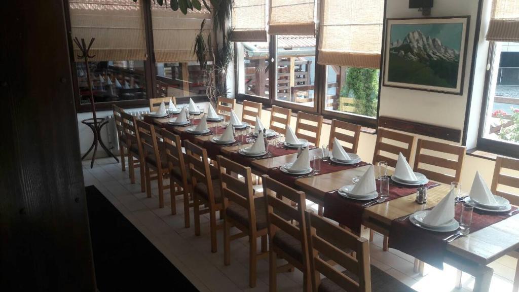 Restoran ili neka druga zalogajnica u objektu Guest house Zavicaj Pale