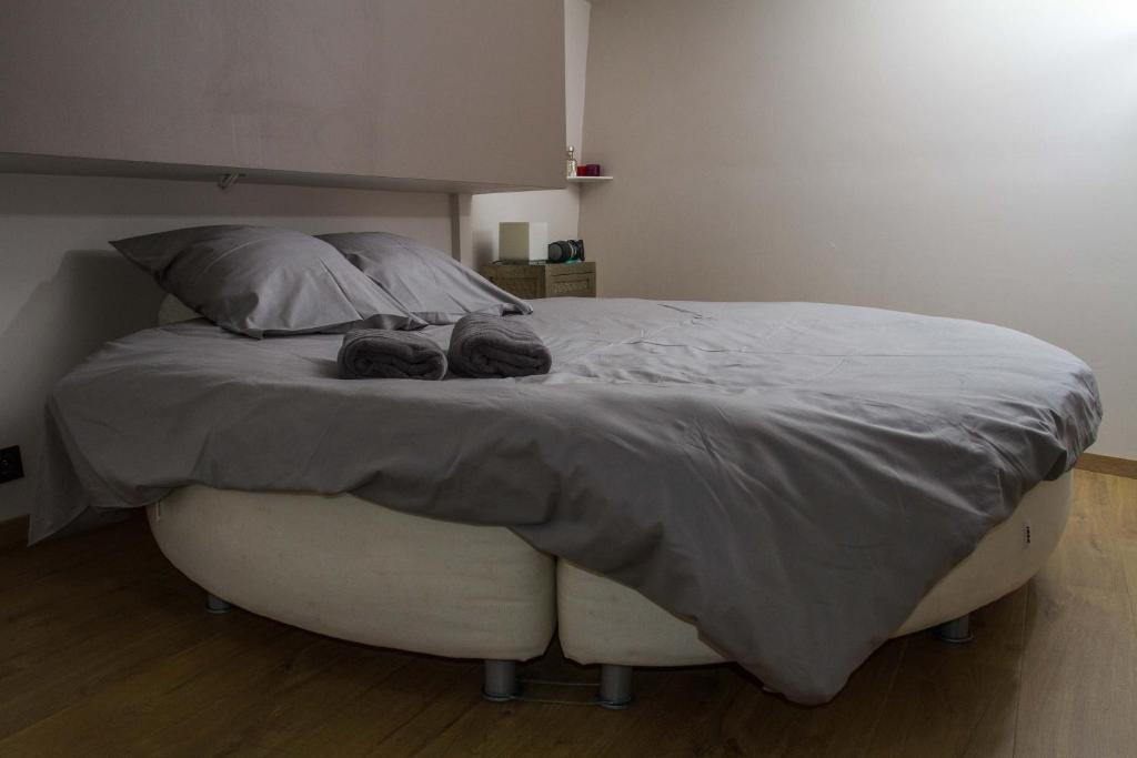 A bed or beds in a room at B&B B³ Boat