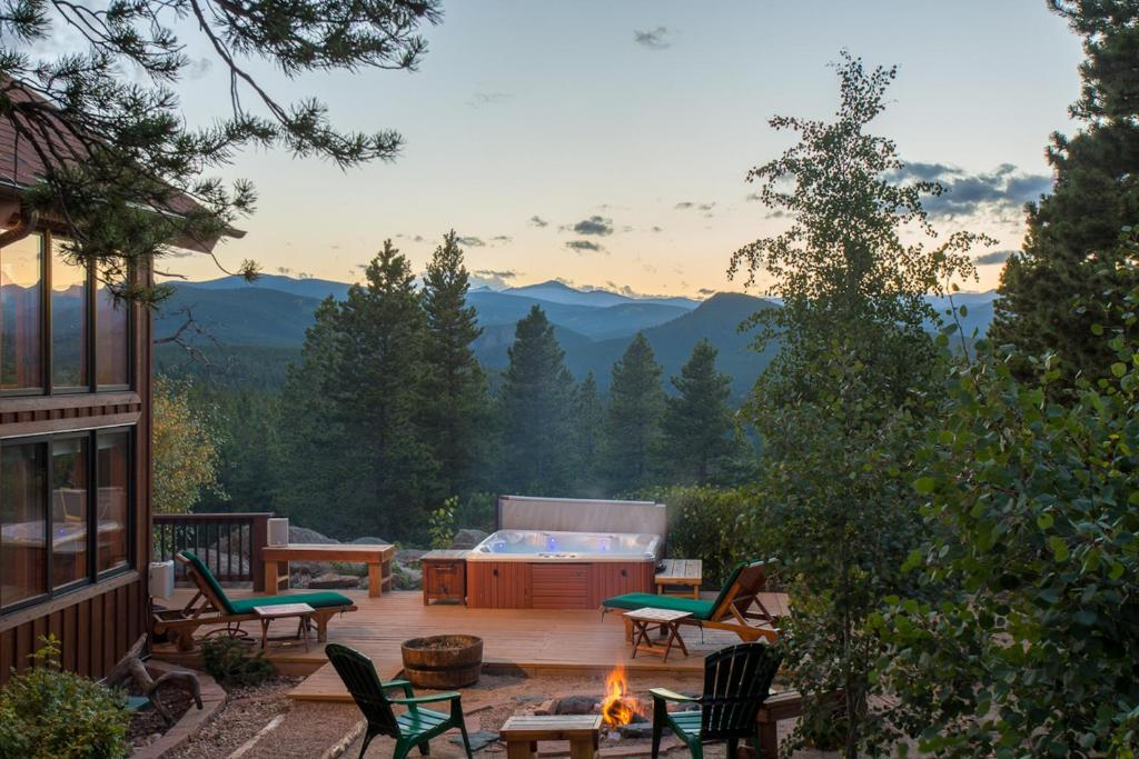 Vacation Home Romantic Mountain Cabin For 2 Lincoln Hills Co Booking Com