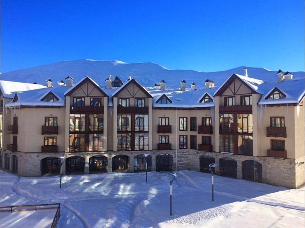New Gudauri Luxe Apartments зимой