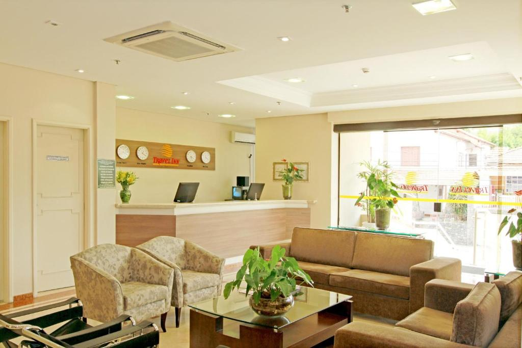 The lobby or reception area at Travel Inn Saint Charles