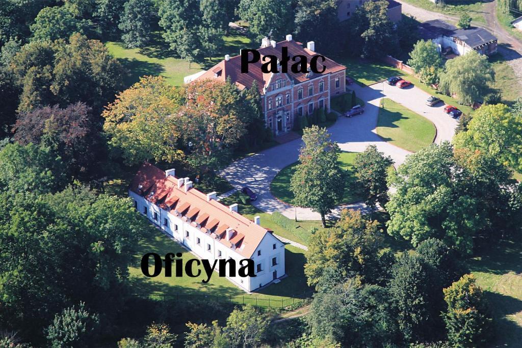 Widok z lotu ptaka na obiekt Leźno Palace