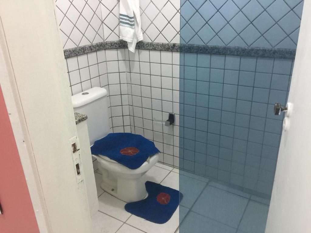 A bathroom at Apart Hotel Beira Mar