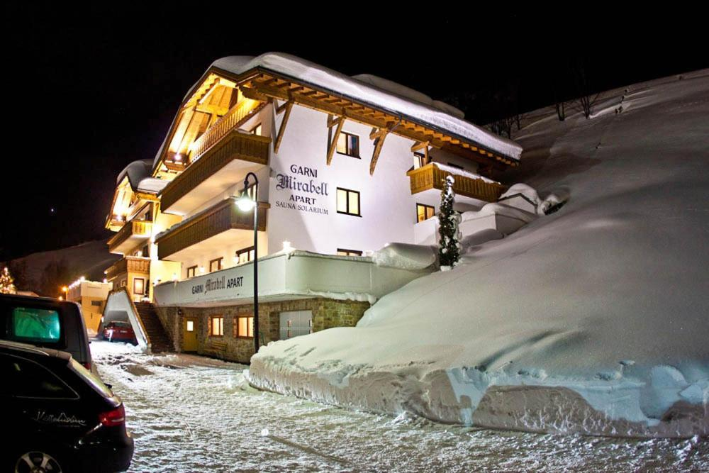 Hotel Garni Mirabell during the winter