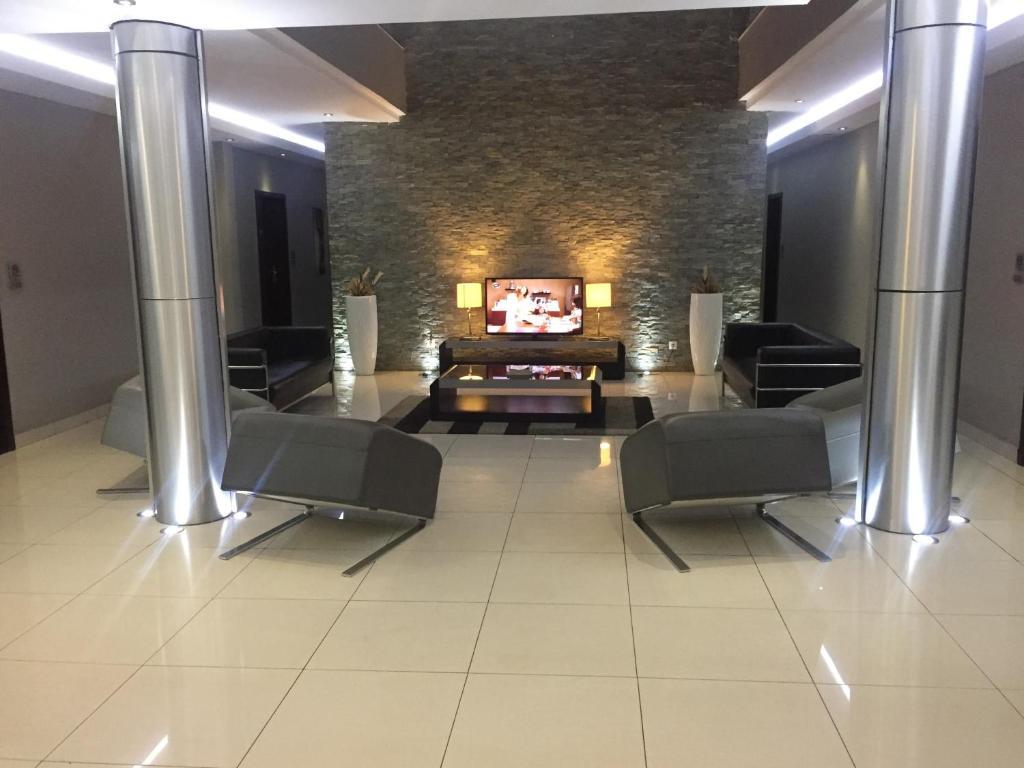 A seating area at Hotel Amirana