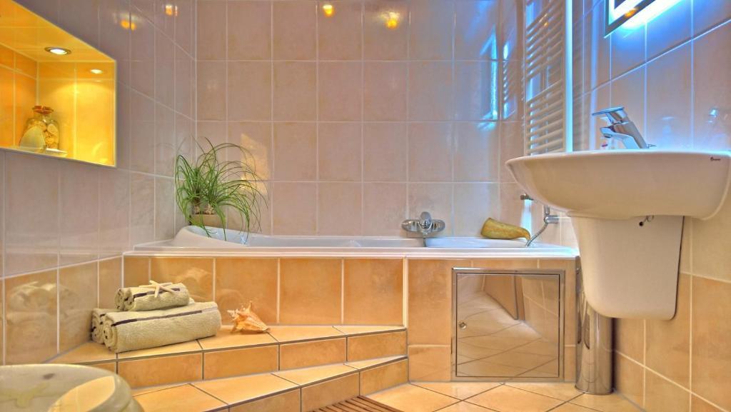 Ein Badezimmer in der Unterkunft Ferienwohnung Markt 7
