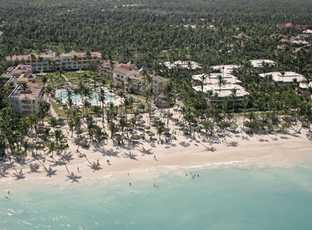 A bird's-eye view of TRS Turquesa Hotel - Adults Only - All Inclusive
