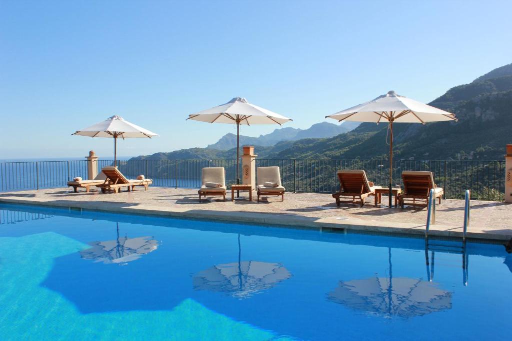 The swimming pool at or close to Sa Pedrissa
