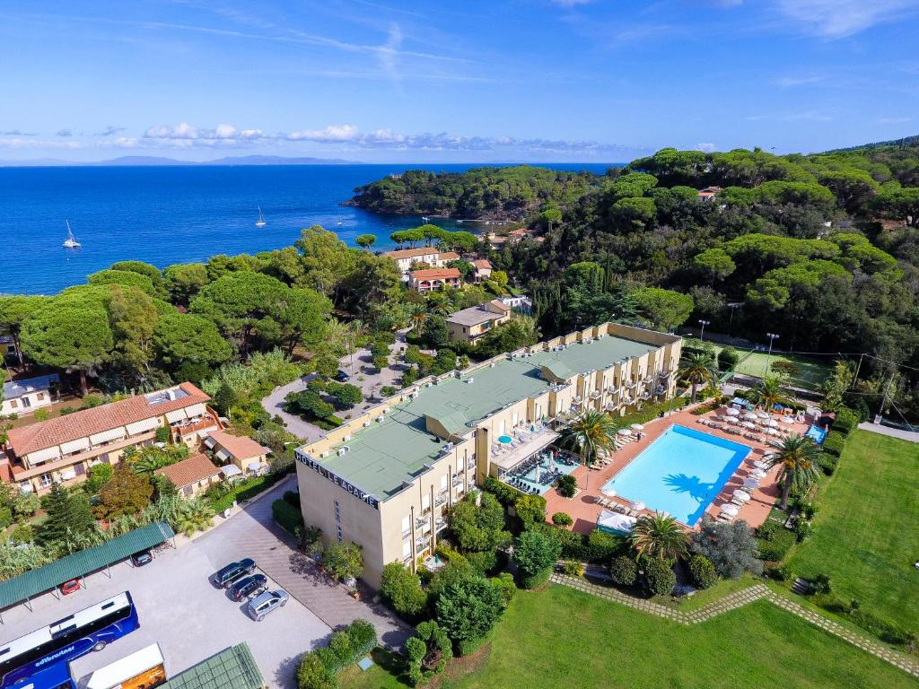 A bird's-eye view of Hotel Le Acacie