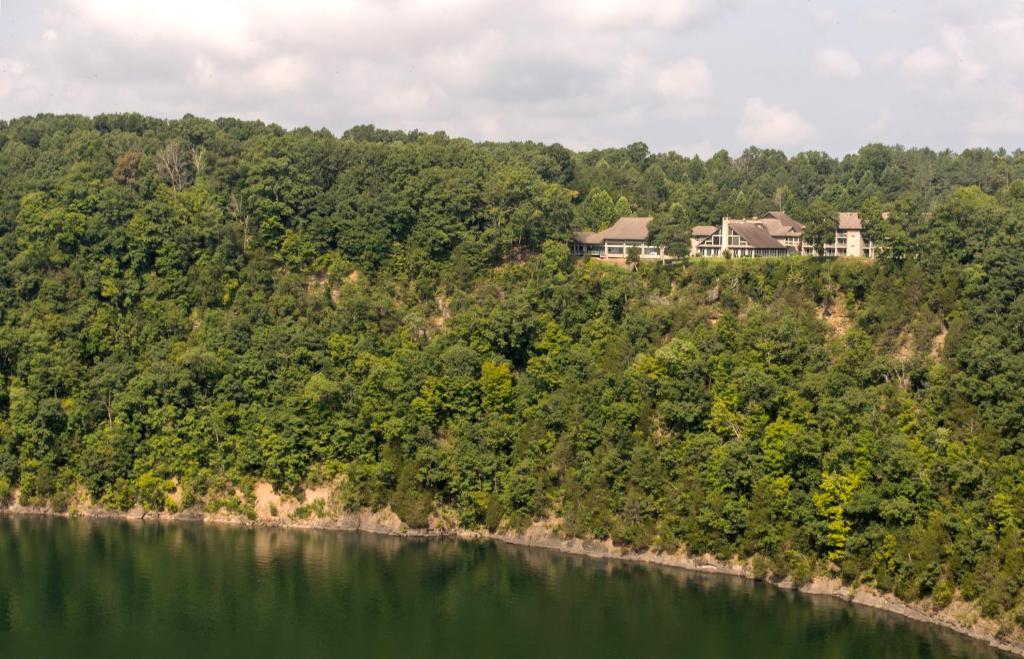 Dale Hollow Lake State Resort Park