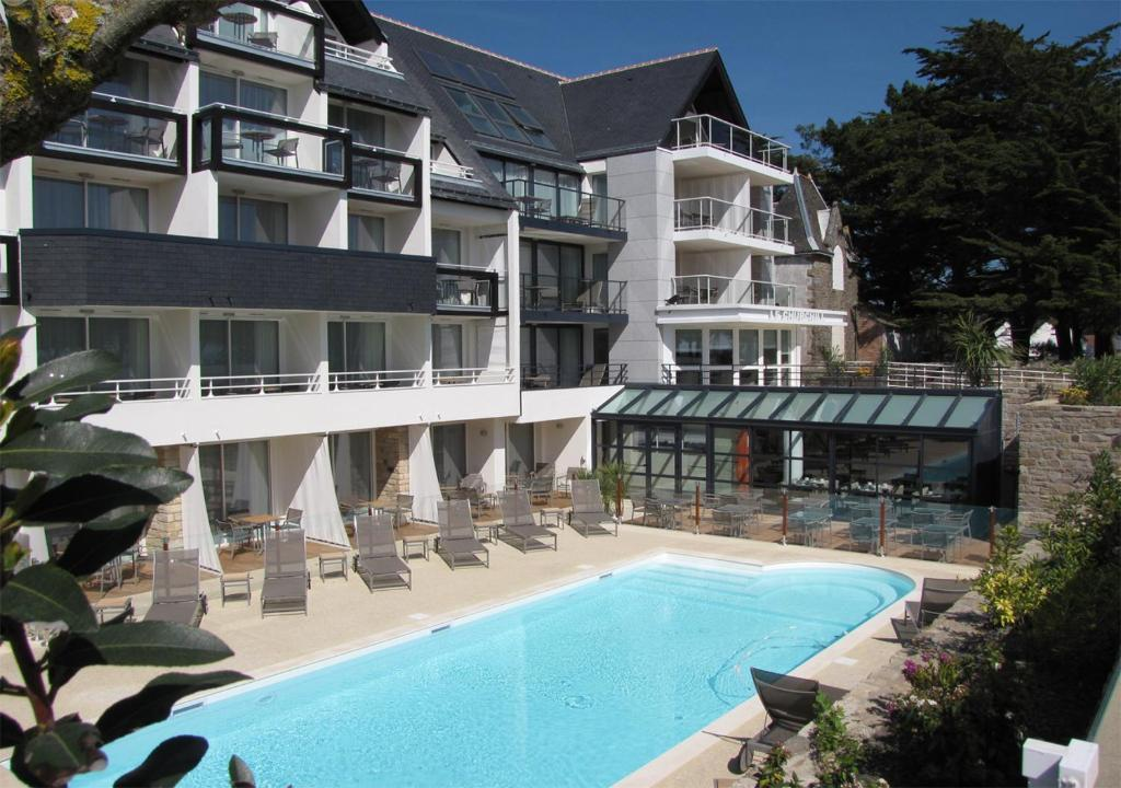 Hotel Le Churchill Carnac, France