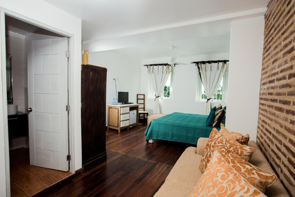 A bed or beds in a room at Best value guesthouse
