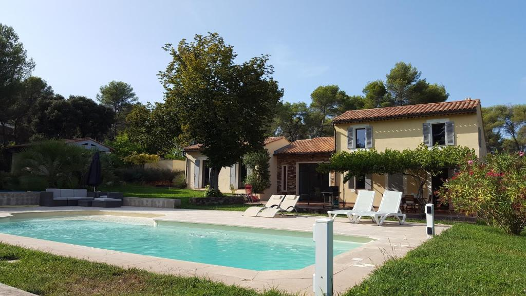 The swimming pool at or near Maison Campagne Petite Mère