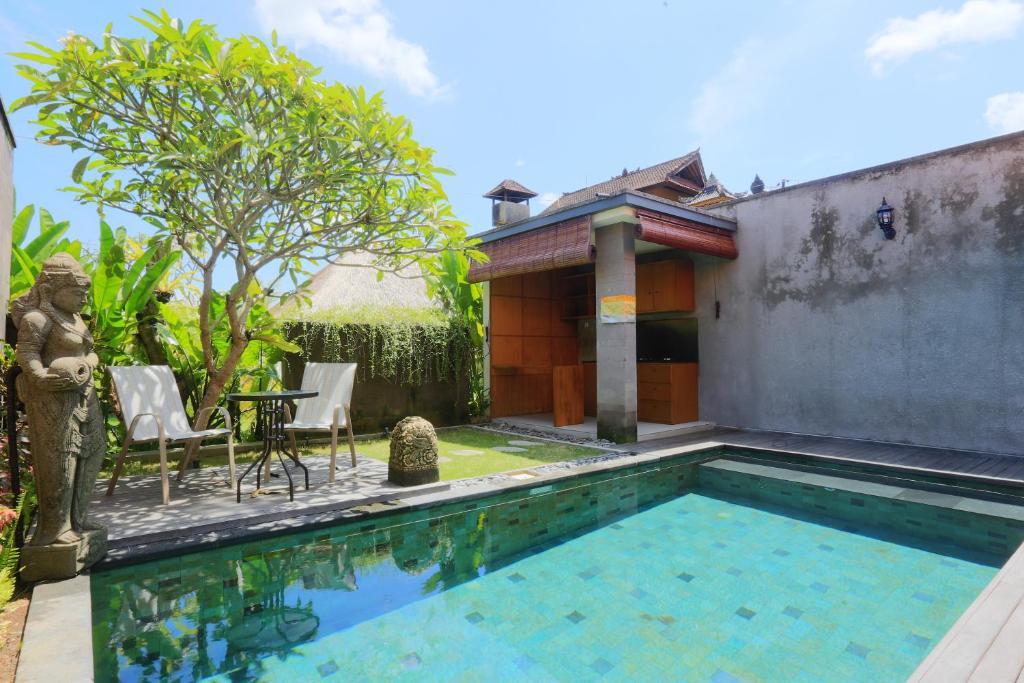 Piscine de l'établissement Ume Sri Villas Ubud ou située à proximité