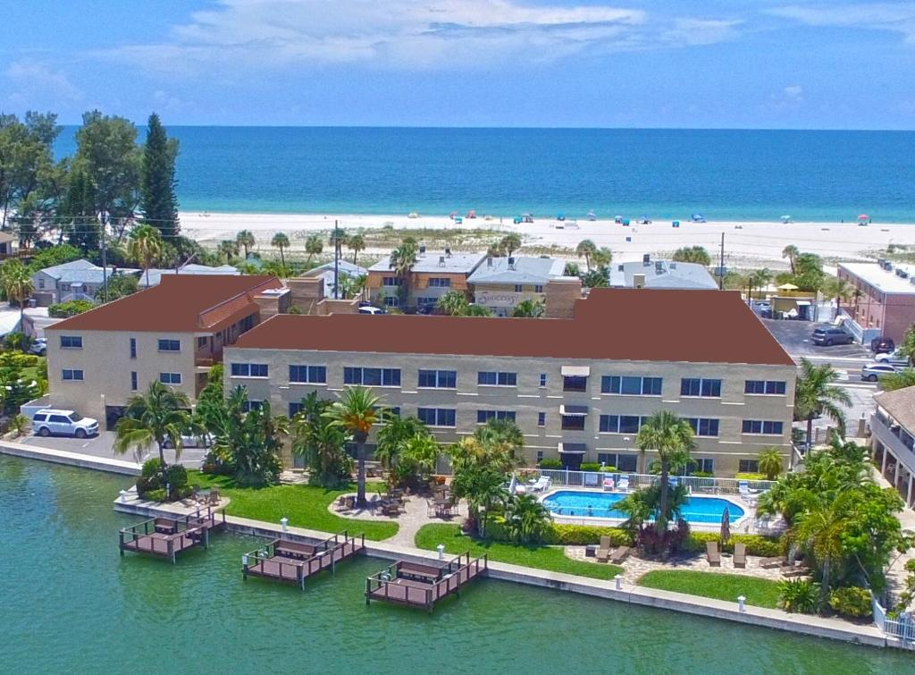 A bird's-eye view of Westwinds Waterfront Resort