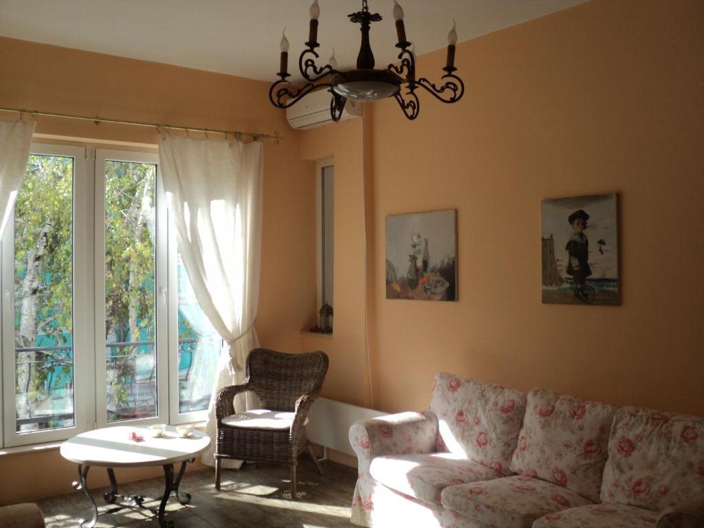 A seating area at Varna Flat Apartment