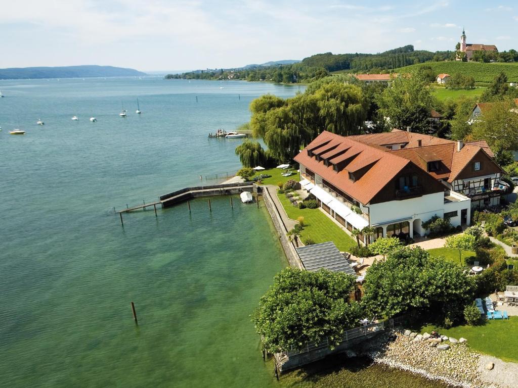 Blick auf Hotel Restaurant Seehalde aus der Vogelperspektive