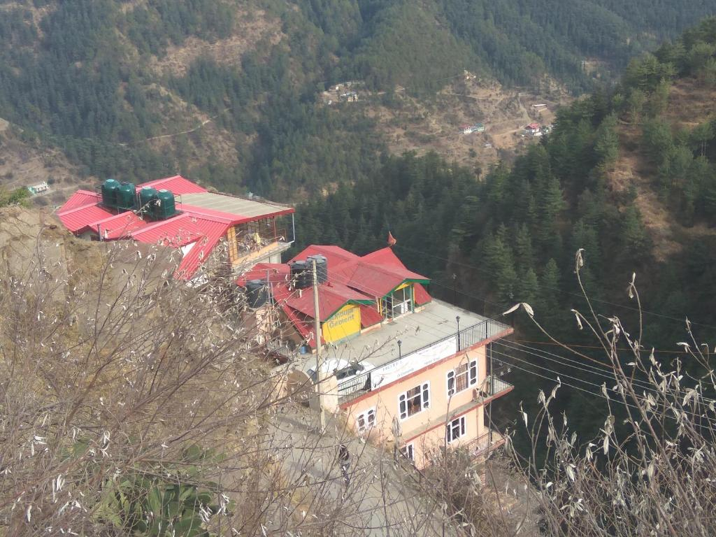 Decent stay near Sanjauli