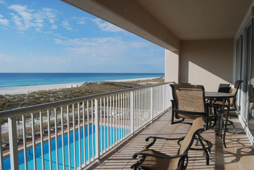 "Apartment ""Against The Wind"" Navarre Beach Regency 210, FL - Booking.com"