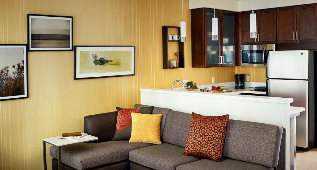 A kitchen or kitchenette at Residence Inn by Marriott Dallas at The Canyon