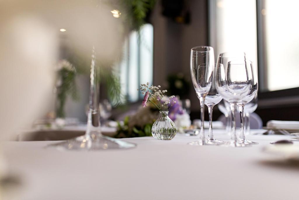 Un restaurante o sitio para comer en Balneario de Archena - Hotel León