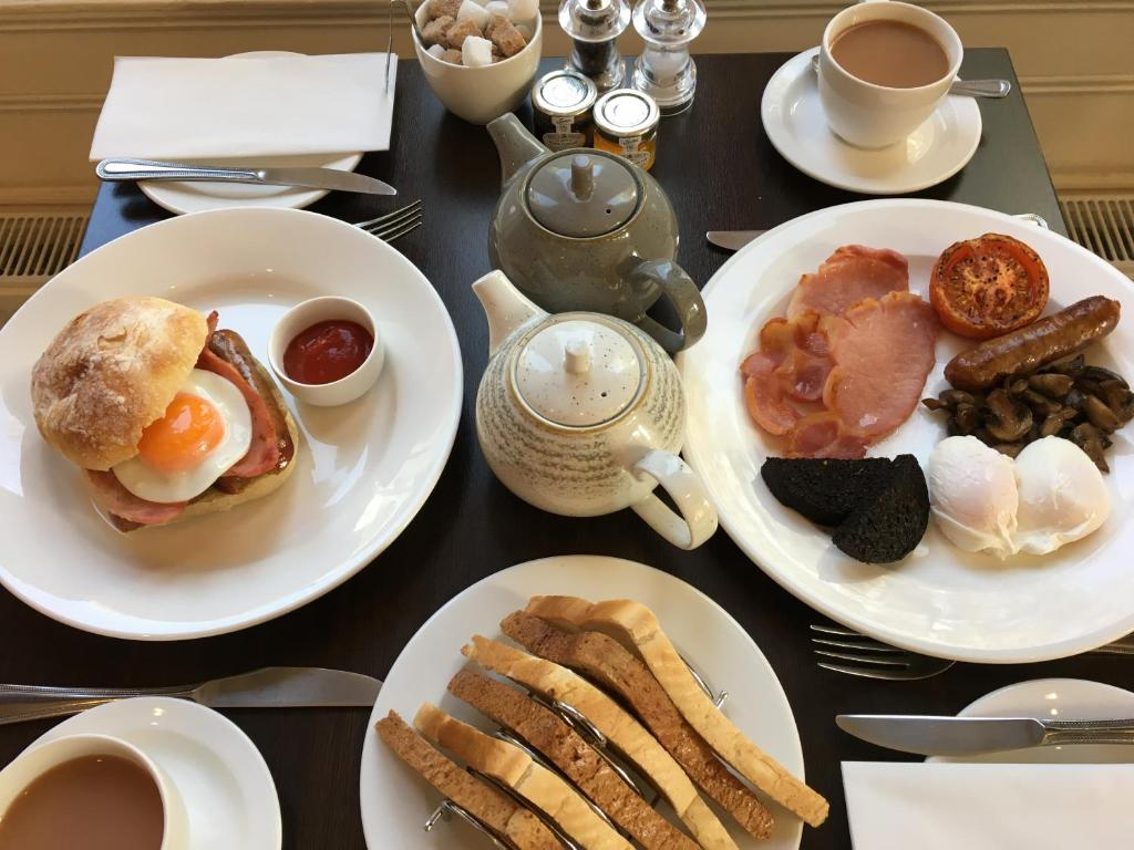 Breakfast options available to guests at The Hideaway At Windermere (Adults only)