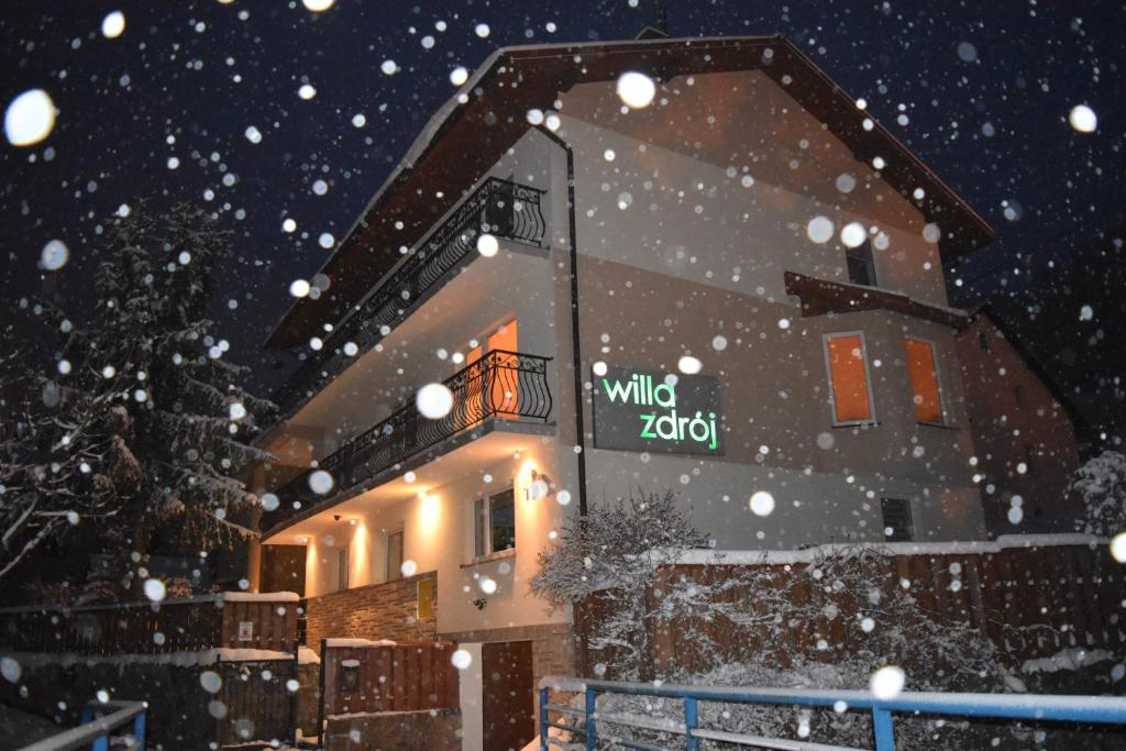Obiekt Willa Zdrój zimą