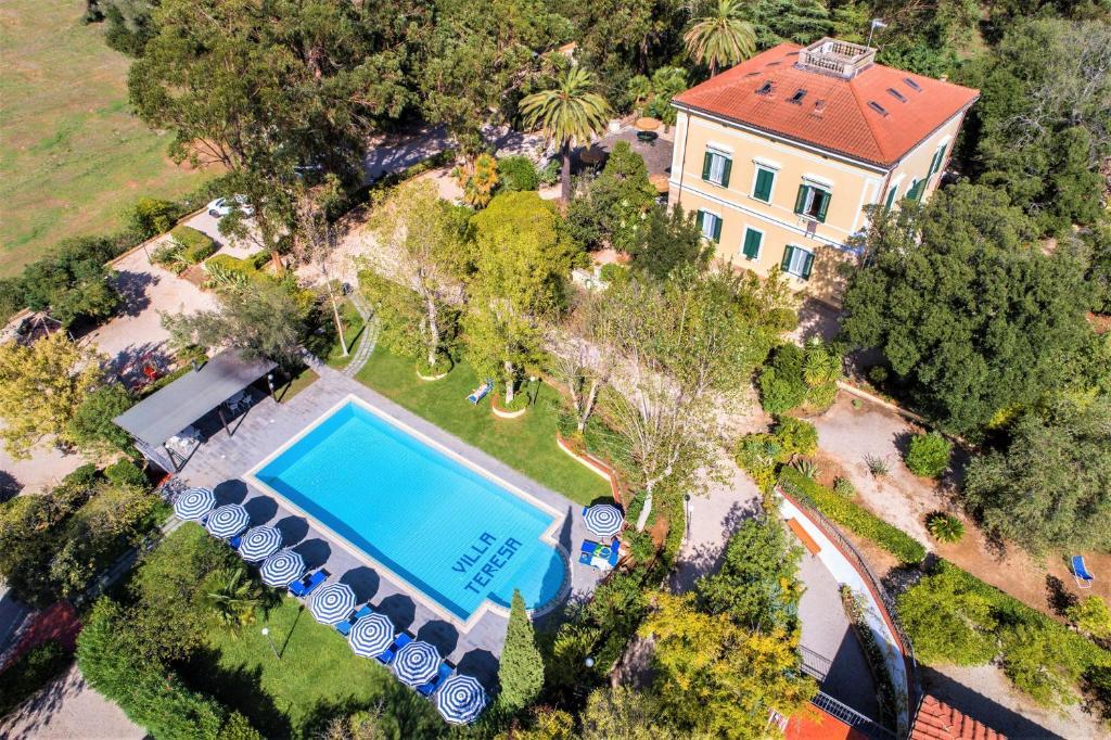 Blick auf Villa Teresa aus der Vogelperspektive