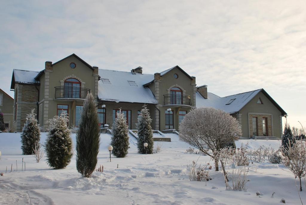 Usadba Batyushkovo during the winter