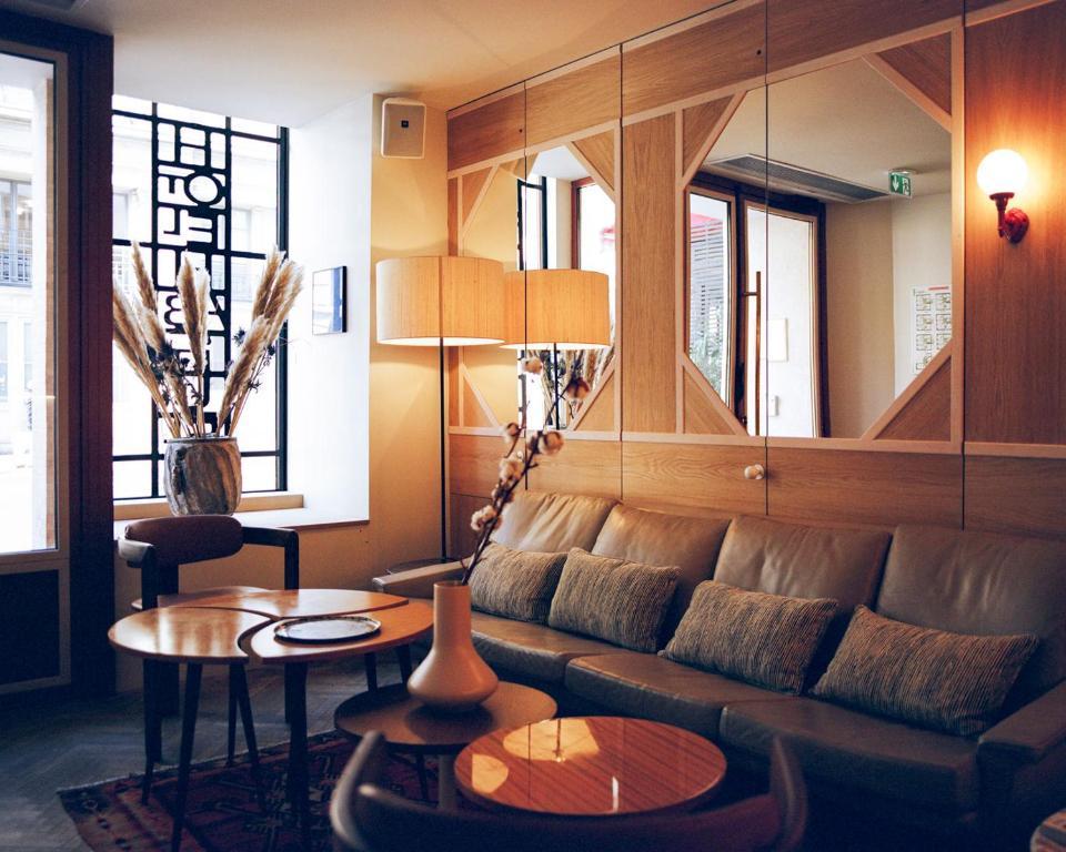 Coin salon dans l'établissement Hotel Habituel