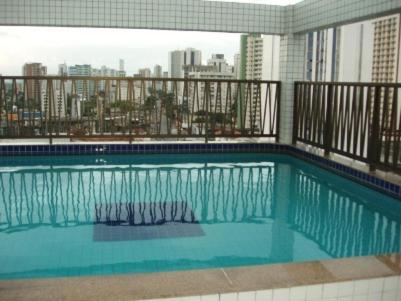 The swimming pool at or close to Flat em Boa Viagem - Recife