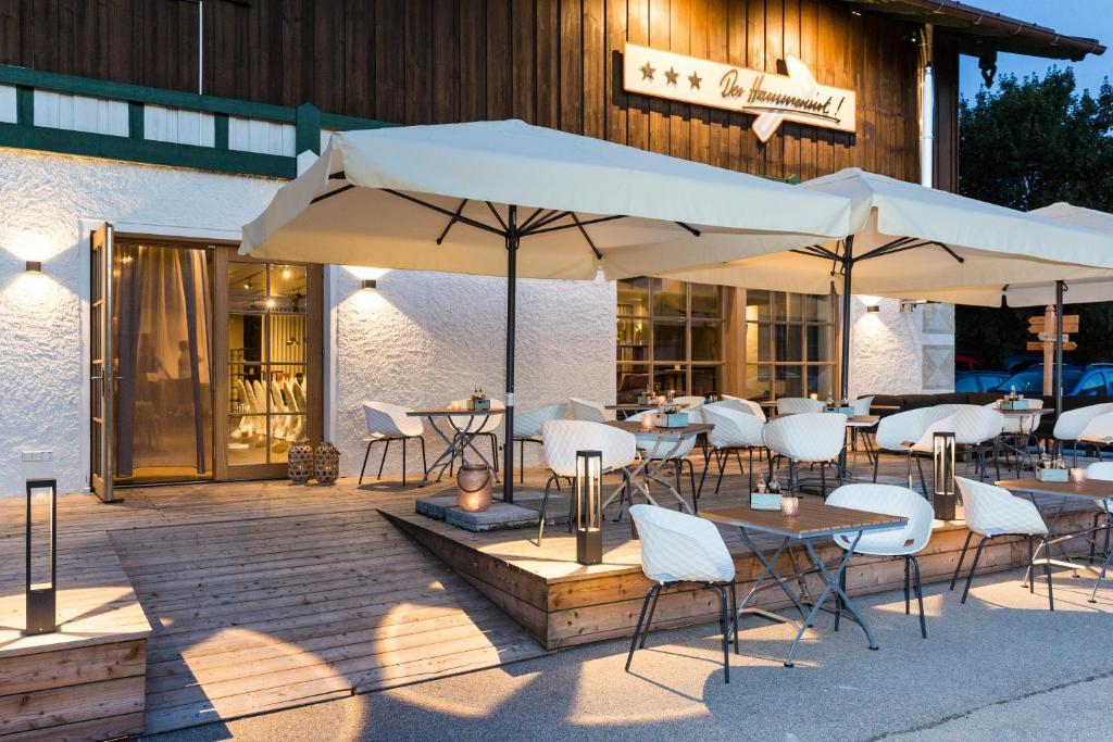 Ein Restaurant oder anderes Speiselokal in der Unterkunft Hotel Hörterer Der Hammerwirt