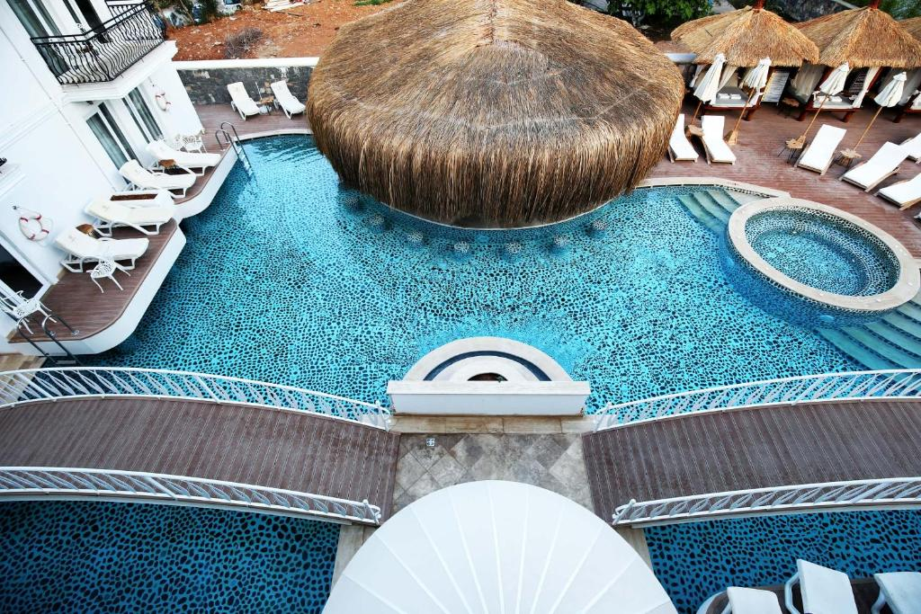 The swimming pool at or near Pinehill Hotel & Suites