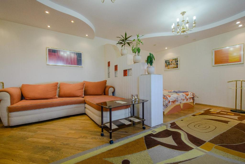 A seating area at Apartment Kuibyshieva 69