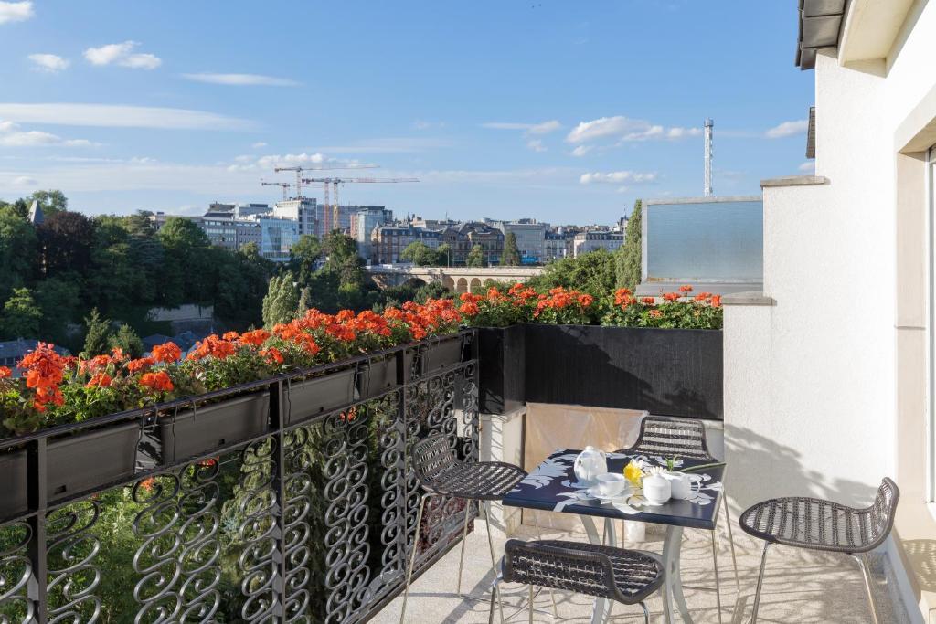 Ein Balkon oder eine Terrasse in der Unterkunft The Queen Luxury Apartments - Villa Vinicia