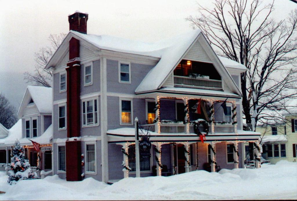Old Stagecoach Inn during the winter